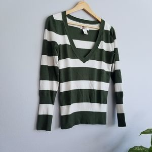 Great and Cream Striped V-Neck SO NWOT